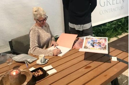 Signeersessie Beeldend Kunstenaar Jackie Sleper bij The Green Contractors tijdens Masters of LXRY